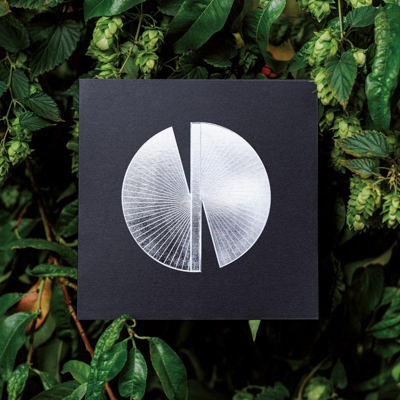 Photo de la Carte de voeux modèle Butterfly11 de la collection intaglio 2021