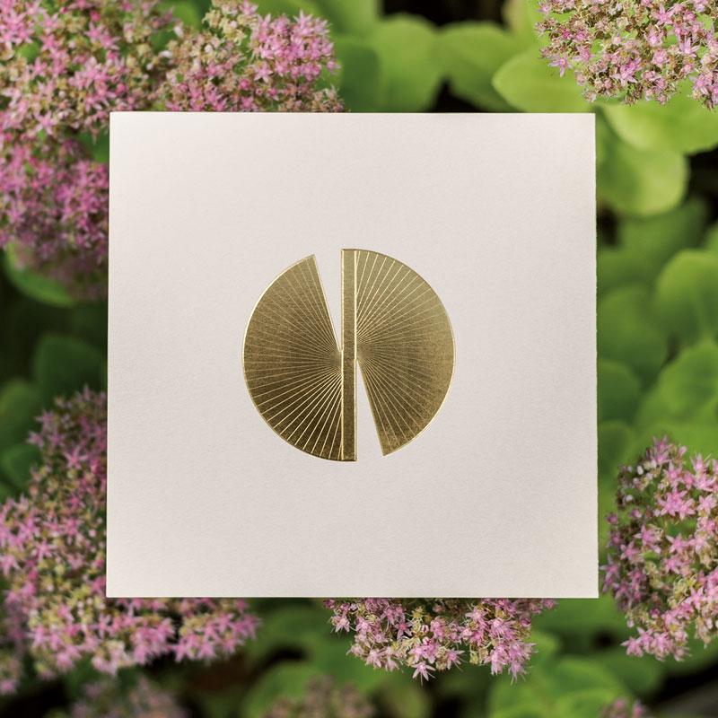 Photo de la Carte de voeux modèle Butterfly16 de la collection intaglio 2021
