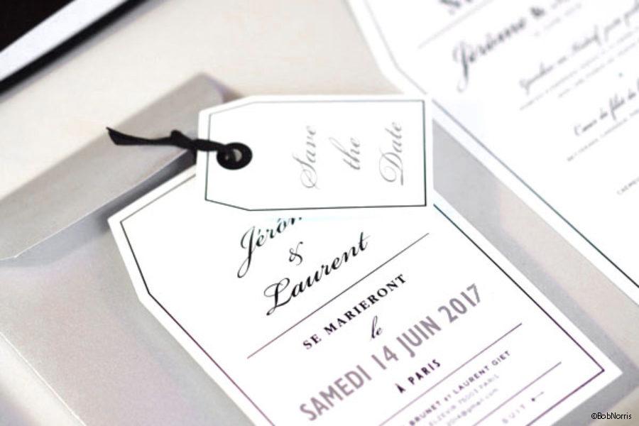 Faire-part de mariage Save the date en forme d'étiquette gravure noire imprimé par Intaglio crédit photo Bob Norris