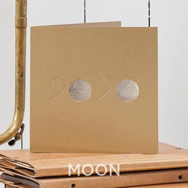 Présentation de la carte de voeux 2020 modèle MOON conçue et imprimée par Intaglio