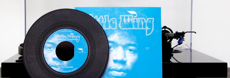 Carte de voeux sous la forme d'un disque 45tours avec sa pochette Little Wing de Hendrix gravé argent imprimé et façonné par Intaglio