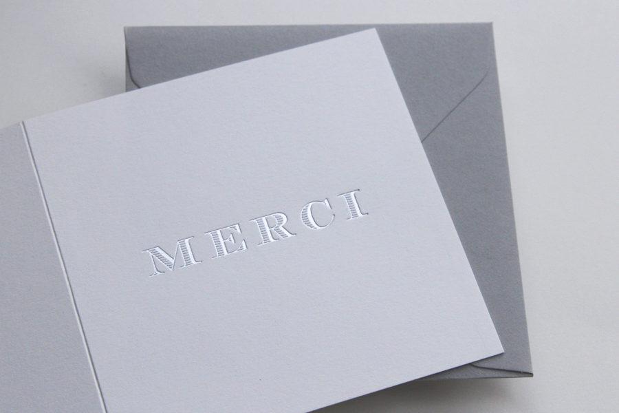 Catégorie faire part de mariage Carte de remerciement blanche gravée en argent typographie Chevalier imprimée par Intaglio