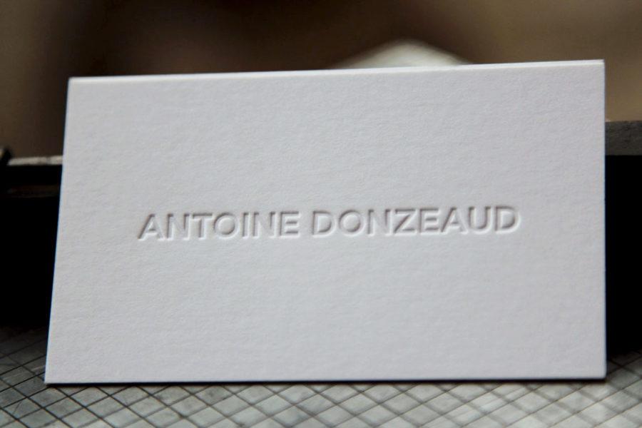 Carte De Visite Avec Le Prenom Et Nom Imprimes En Estampage A Chaud Sur