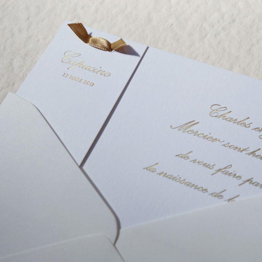 Faire-part de naissance collection Haute Couture en dorure or sur carte de couleur Blanche par Intaglio-Paris