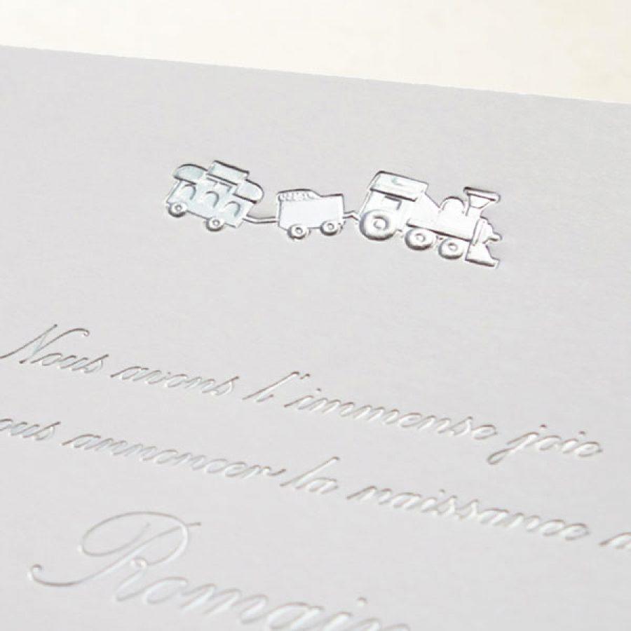 Faire-part de naissance collection Médaillon Train en dorure argent sur carte de couleur Blanche par Intaglio-Paris