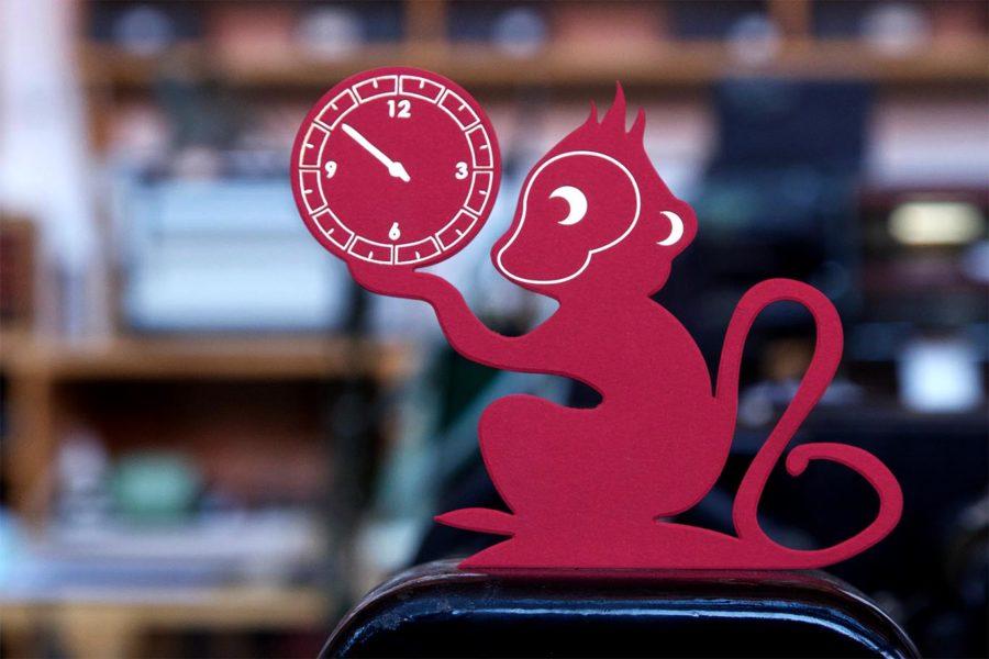 Intaglio Imprimerie carte évènementielle découpe singe gravée or carte rouge